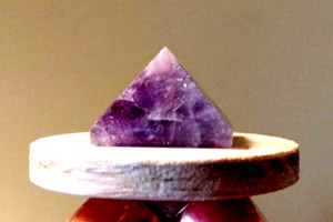 Amethyst Gemstone Pyramid for Capstone